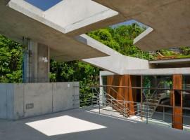 concrete home in ubatuba 24