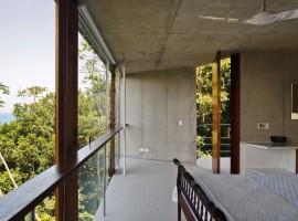 concrete home in ubatuba 34