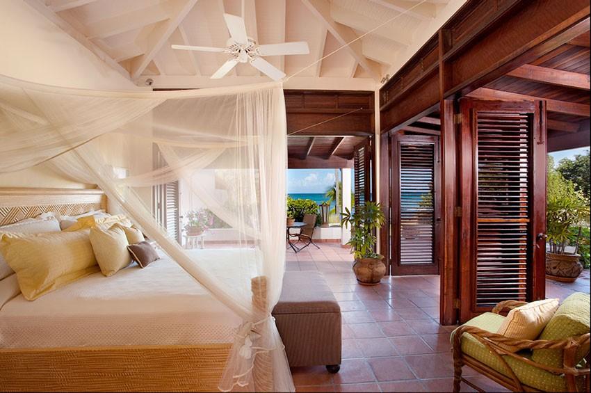 curtain ideas for a posh bedroom