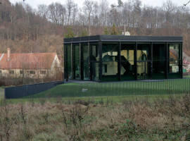 glass house in lithuania 02