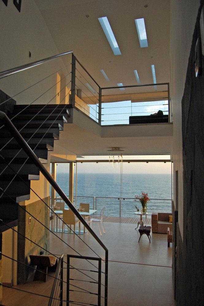 stair case lefevre beach house 14