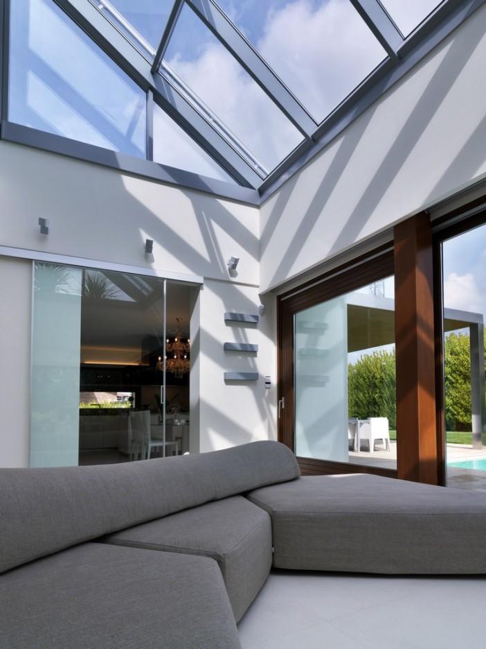 unique residence maison de la lumi re in bologna italy. Black Bedroom Furniture Sets. Home Design Ideas