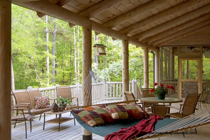 Best ways to have fun with hammocks for home or garden for Log home porches