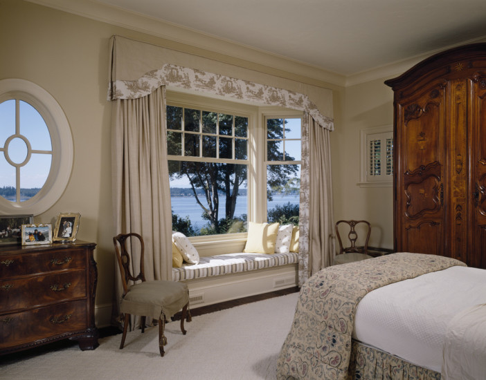window ideas for a posh bedroom