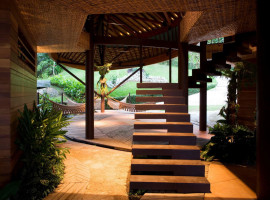 Unconventional Leaf House In Brazil By Mareines Patalano