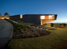 Cape-Schanck-House-00-750x500