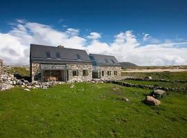 Connemara-Residence-00-2-800x533