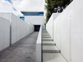 House-in-Costa-d'en-Blanes-01-750x506