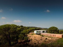 House-in-Melides-01-1-750x498
