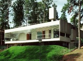 House-on-the-Mountain-01-750x500