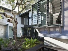 Marcus-Beach-House-03-750x990