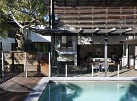 Marcus-Beach-House-06-733x1100
