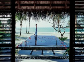 Reethi-Rah-Villas-Beach-Villa-03-1-800x591