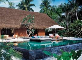 Reethi-Rah-Villas-Grand-Beach-Villa-02-800x636