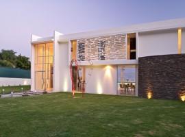SJC-House-02-800x533
