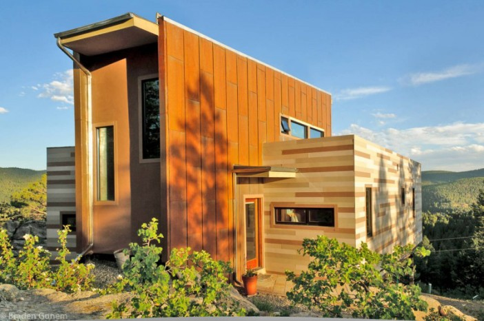 Shipping-Container-House-01-800x531