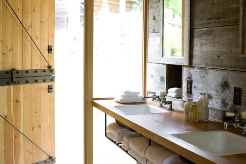farmhouse-bathroom (1)