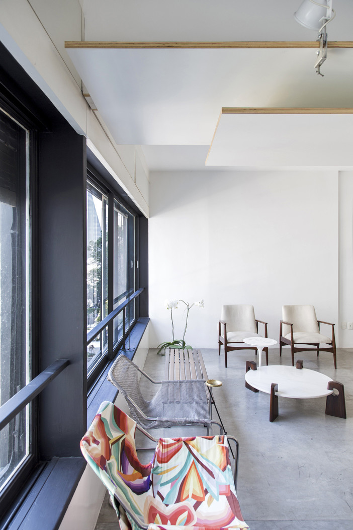Apartamento no Edifício Paulicéia Projeto do edifício Jacques Pilon e Giancarlo Gasperini (1956) Projeto da reforma do apartamento JPG ARQ (2010) Avenida Paulista, São Paulo - SP [building at Sao Paulo - Brazil]