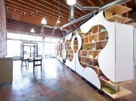 theUPstudio-ArchitectureDesign-AuthentixSneakerShop-Image02-2880px