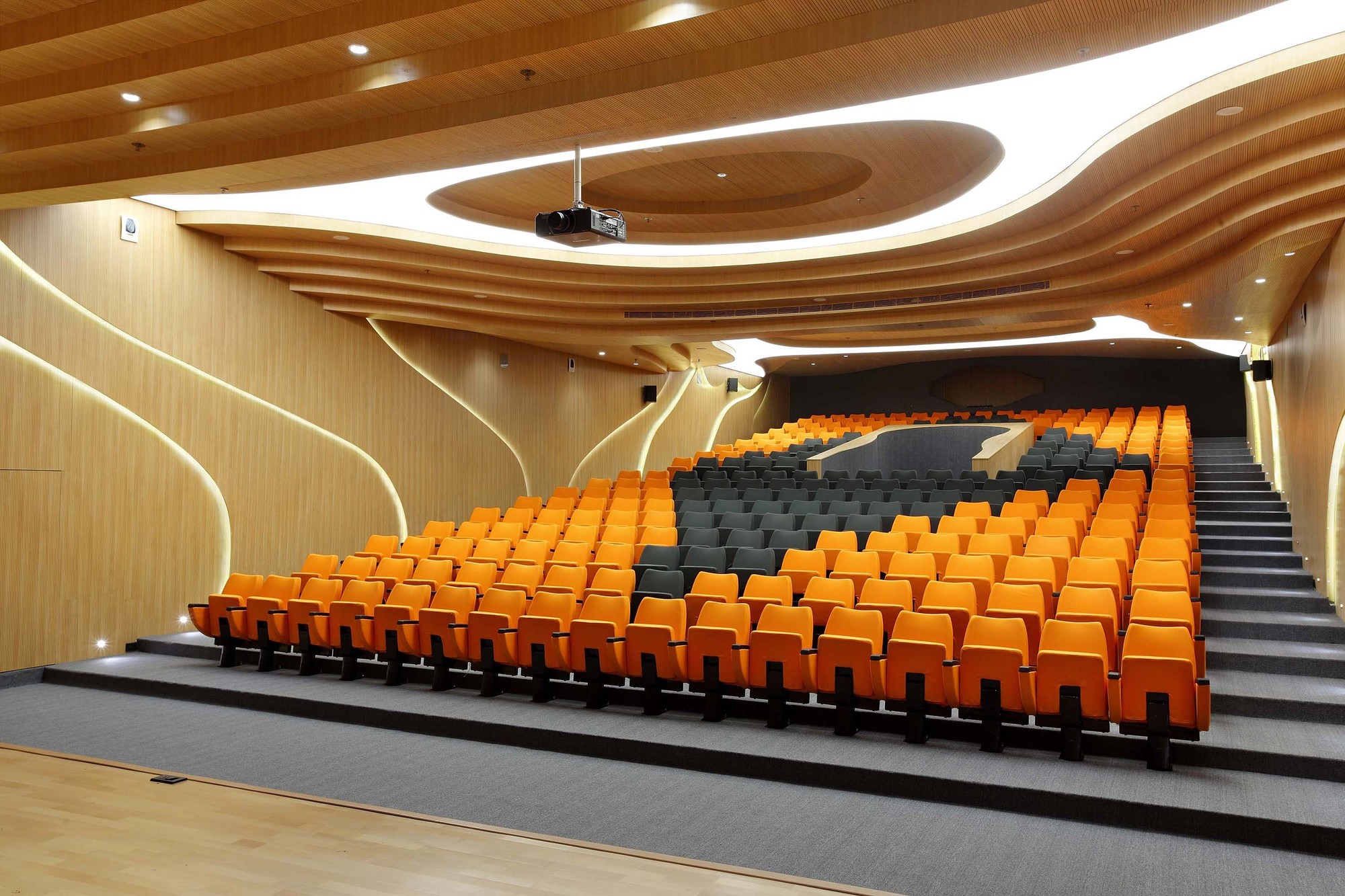 Modern architectural design ideas m auditorium by planet for Control m architecture
