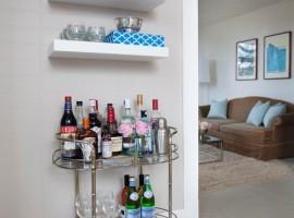 contemporary-home-bar