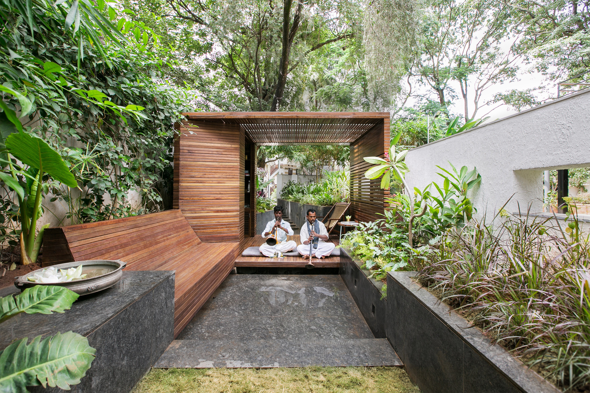 Architectural Design Ideas For Garden: Pavilion In A Garden By Collective  Project, India