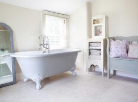shabby-chic-style-bathroom (1)