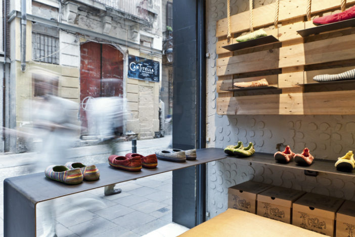 Furthermore, The Interior Décor Of The Store Is Equally Unique And  Resonates With The Concept By The Use Of Recycled Materials Such As Sturdy  Ropes Made ...