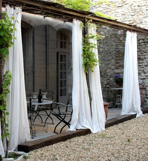 shabby-chic-style-patio