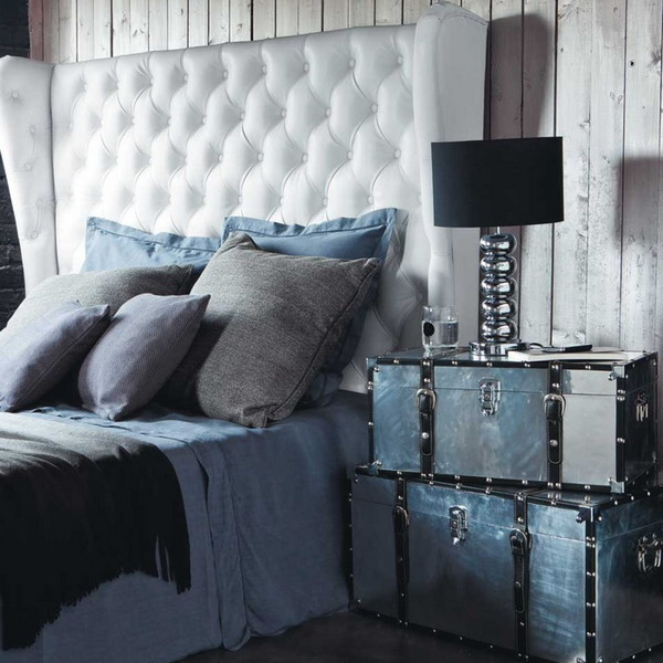 suitcase-and-trunk-as-bedside-table1-1