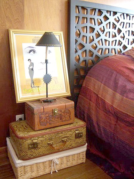 suitcase-and-trunk-as-bedside-table3-3