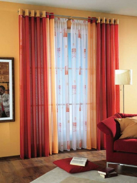 Diffe Color Curtains In Same Room